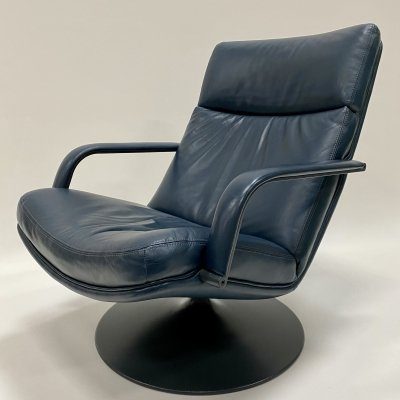 Blue leather lounge chair 'F142' by Geoffrey Harcourt for Artifort, Netherlands 1972