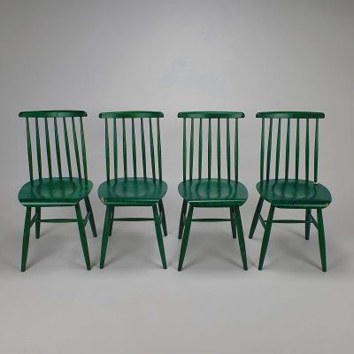 Set of 4 green scandinavian spindle chairs, 1960s