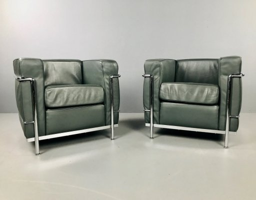 Cassina lc2 dark green armchairs by Le Corbusier, 1990s