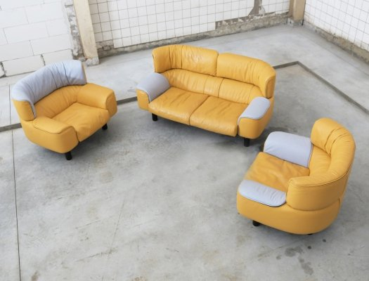 Limited Edition 'Bull' seating group by Gianfranco Frattini for Cassina, 1987