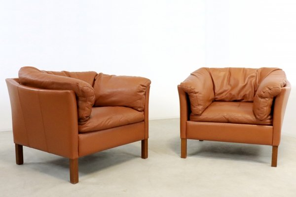 Two lounge chairs by Mogens Hansen, 1970s