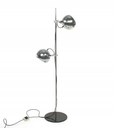Floor lamp with chrome adjustable spheres