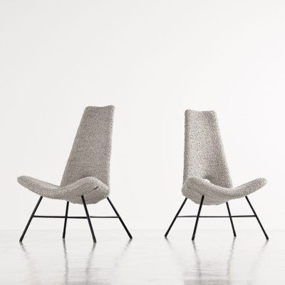 Sculptural Italian lounge chairs in bouclé fabric, 1950