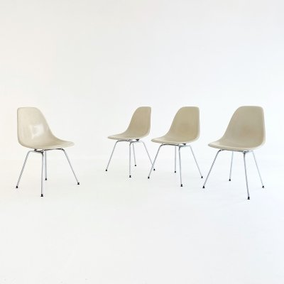 Set of 4 Eames Sidechairs by Herman Miller, 1960s