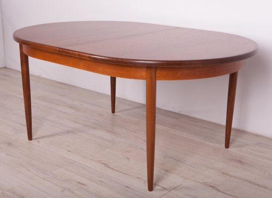 Oval Mid-Century Teak Dining Table from G-Plan, 1960s