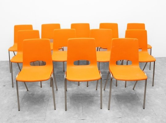 Set of 12 plastic chairs, 1970s