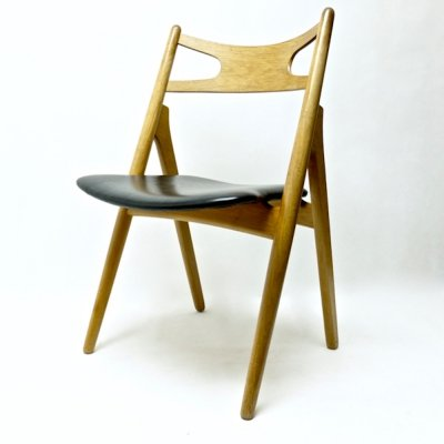 Vintage Oak & leather CH-29 Sawbuck dining chair by Hans Wegner, 1950s