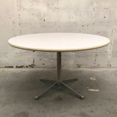 Dining table by George Nelson for Herman Miller
