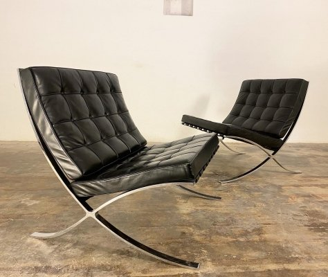 Early model Barcelona Chairs by Ludwig Mies van der Rohe for Knoll, 1960s