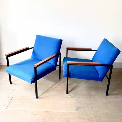 Pair of minimalistic SZ30 armchairs by Hein Stolle