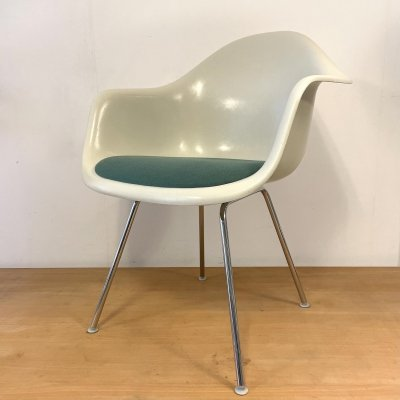 Set of 6 fibreglass DAX chairs by Charles & Ray Eames for Vitra, 1980s
