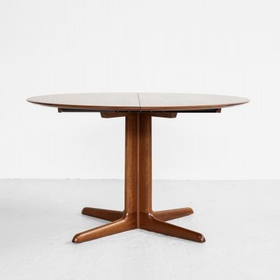 Midcentury Danish round dining table in teak with 2 extensions by Dyrlund