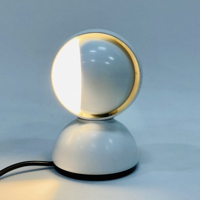 Vico Magistretti 'Eclisse' desk/wall lamp for Artemide in white, Italy 1970s