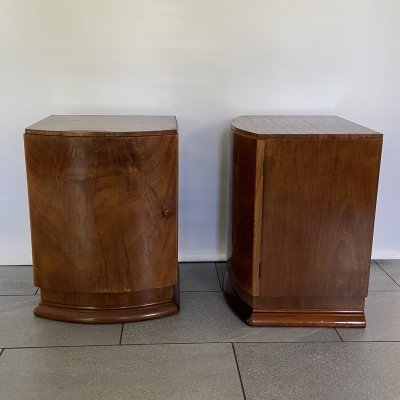 Pair of Bedside tables in mahogany with door handle in Amber