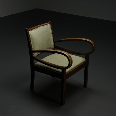 1940s arm chair with bowed armrests