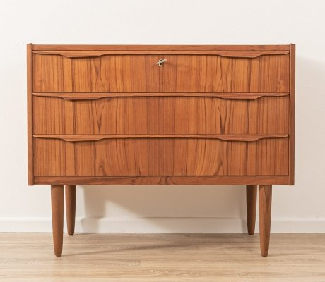 1960s chest of drawers in teak