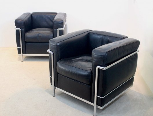 Pair of LC2 Armchairs in soft Black leather by Le Corbusier