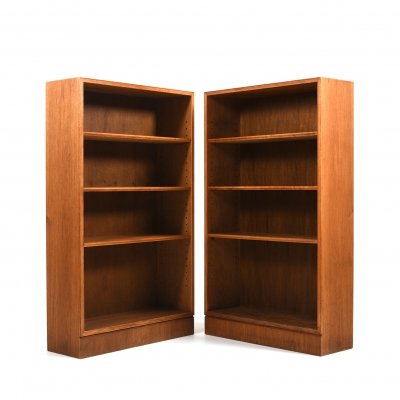 Pair of old Frits Henningsen open Bookcases in Oak