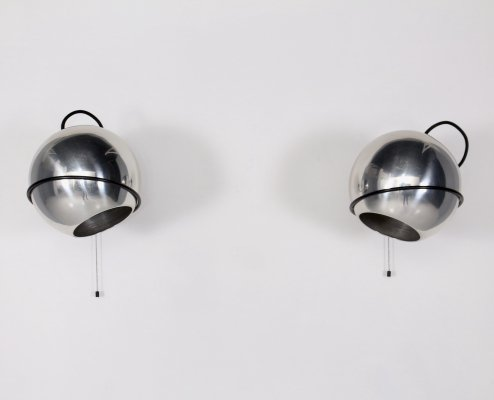 Pair of aluminium & steel mobile 232G wall lamps by Gino Sarfatti for Arteluce, 1960's