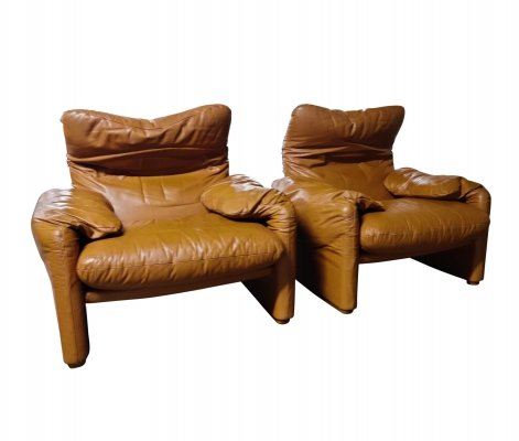 Pair of Leather Maralunga armchairs by Vico Magistretti for Cassina, 1973