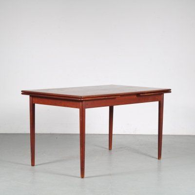 1950s extendable Danish dining table
