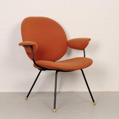 Model 302 lounge chair by W. Gispen for Kembo