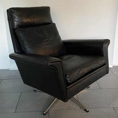 Black leather Swivel high back chair by Georg Thams, 1960s