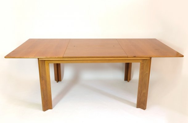 Afra & Tobia Scarpa large dining table with extending leaves, circa 1960