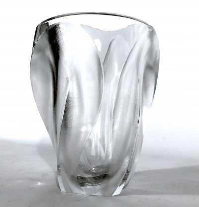 Polished & Frosted Crystal Glass 'Ingrid' vase by Lalique Paris, 1960s