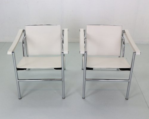 Le Corbusier set of 2 White Leather LC1 Armchairs for Cassina, 1970s