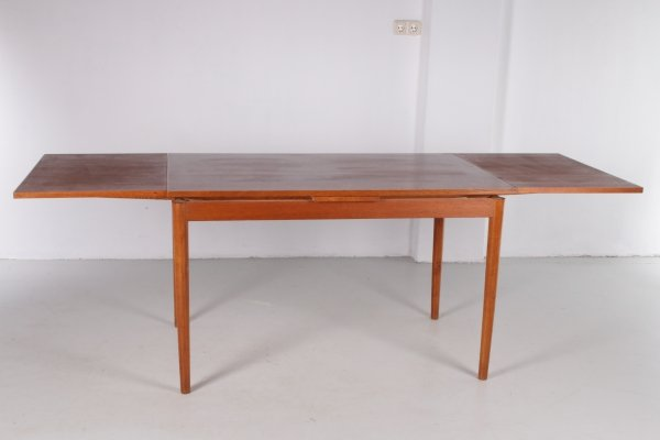 Vintage Teak Dining Table with pull-out top, Danish Design 1960