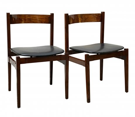 Set of two Gianfranco Frattini chairs with wooden frame & leather seat, 1960s